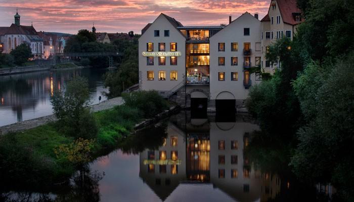 Fassade Sorat Insel-Hotel Regensburg