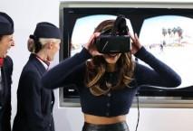 Nicole Scherzinger mit Oculus Rift