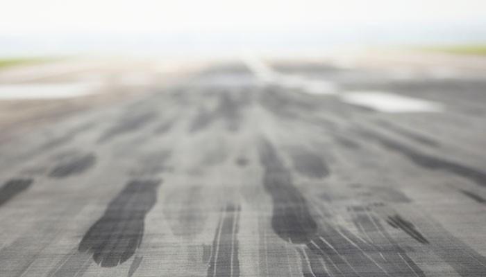 Flughafen leere Landebahn
