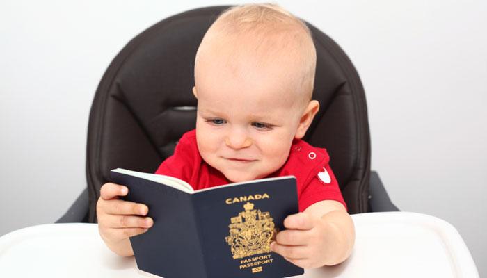 Baby mit kanadischem Pass
