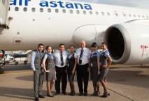 Crew der Air Astana am Hannover Airport