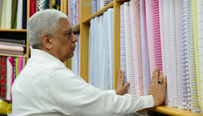 Roshan Melwani von Sam's Tailor