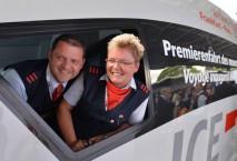 Lokführer der Deutschen Bahn auf der Premierenfahrt des neuen ICE 3