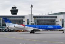 Embraer bmi regional auf Rollfeld, Foto: bmi regional