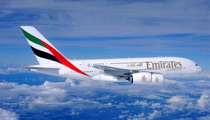 A380-800 der Emirates in der Luft