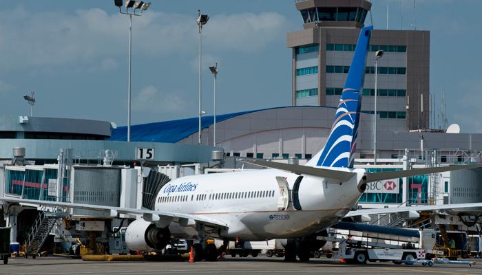 Maschine der Copa Airlines am Flughafen in Panama