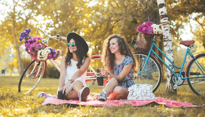 Picknick beim Public Viewing. Foto: iStock