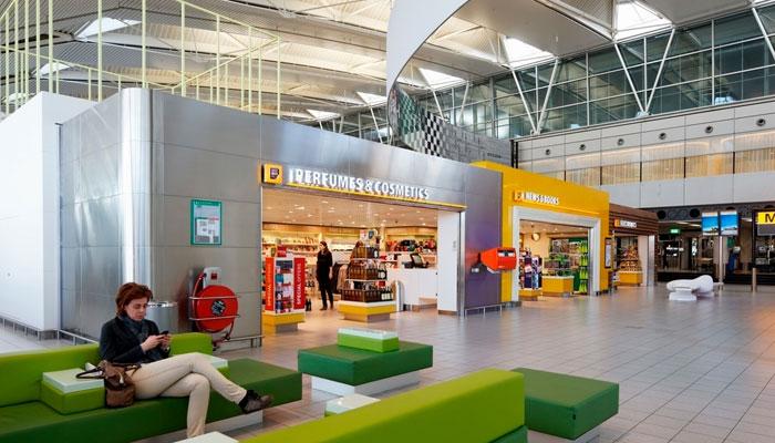 Abflughalle Flughafen Amsterdam Schiphol