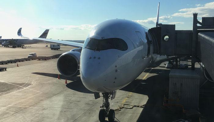 A350 der Finnair steht zum Einsteigen bereit