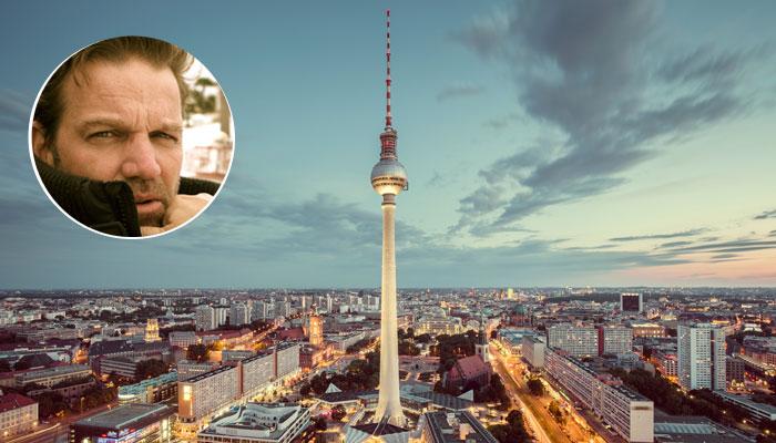 Kai Böcking vor Skyline Berlin
