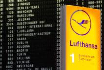 Abflugtafel am Flughafen Frankfurt mit gecancelten Flügen. Foto: iStock /Pradeep Thomas Thundiyil