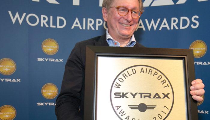 Flughafen-Chef Dr. Michael Kerkloh bei der Entgegennahme der Preise. Foto: Airport München
