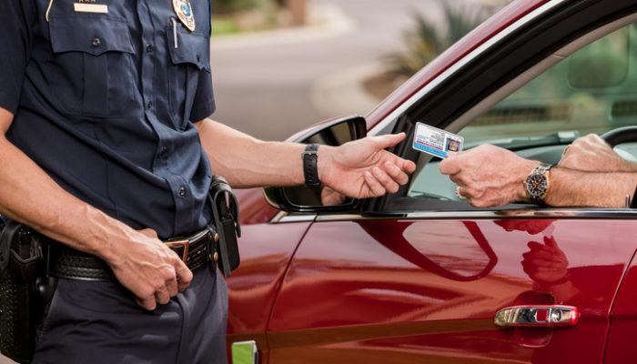 Außerhalb der EU reicht der deutsche Führerschein meist nicht. Foto: iStock
