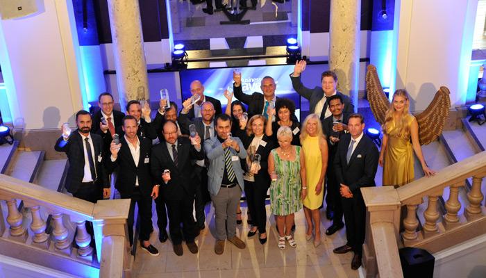 Freudige Sieger beim BUSINESS TRAVELLER Award 2017