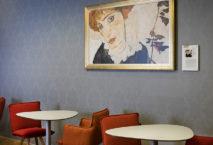 Österreichische Kunst ziert die Wände der neuen Senator Lounge in Wien. Foto: Austrian Airlines