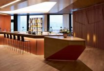 Kaffeebar in der neuen First Class Lounge der Swiss. Foto: Swiss