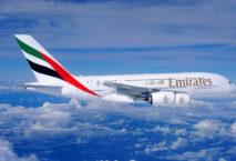 A380 der Emirates in der Luft