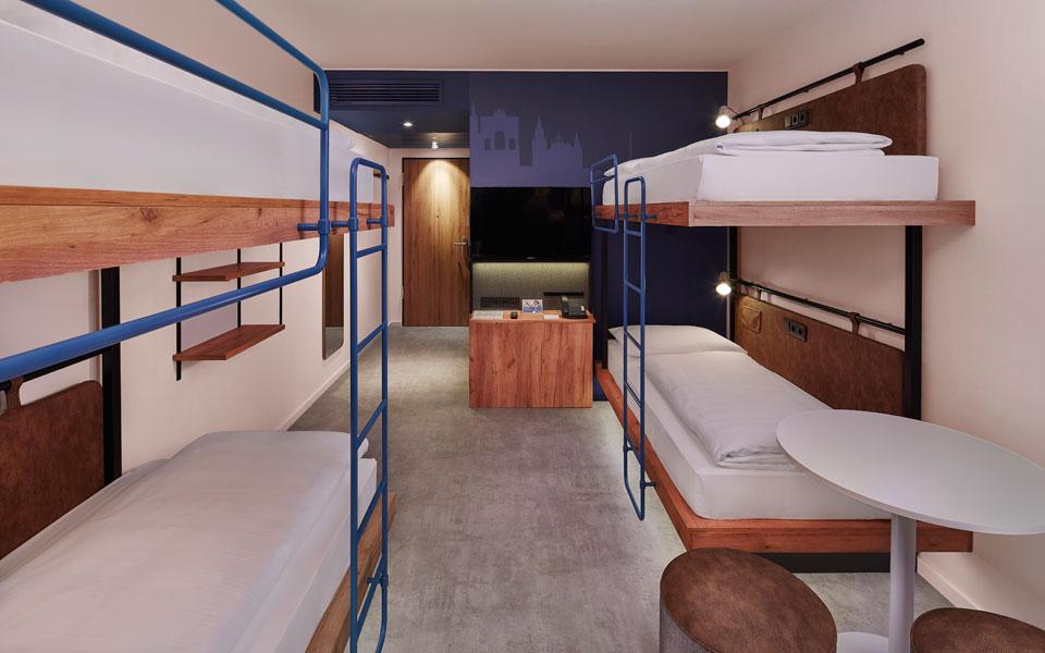 Vierbettzimmer im H2 Hotel München Olympiapark