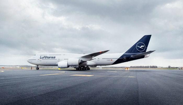 Lufthansa-Maschine mit neuer Lackierung