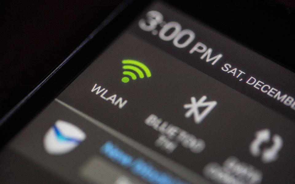 Smartphone mit WLAN-Anzeige