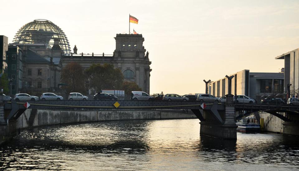 Stau in Berlin; Foto: iStock.com/Tuayai
