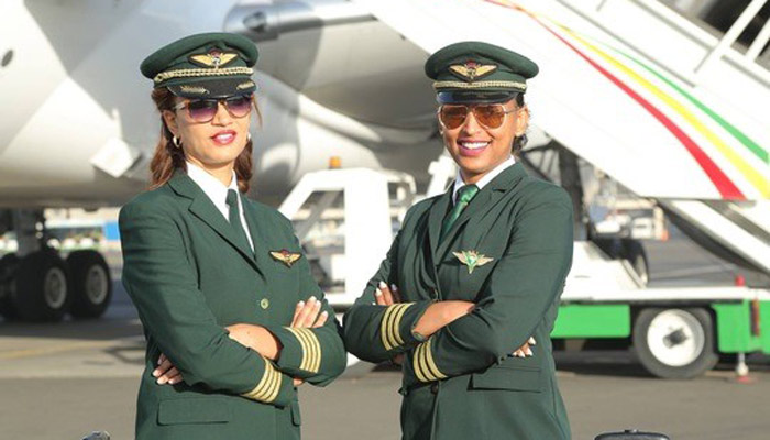 Zwei Pilotinnen der Ethiopian Airlines; Foto: Ethiopian Airlines