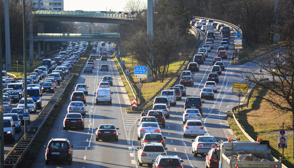 Stau in München; Foto: iStock.com/aprott