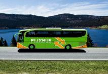 Flixbus vor Berglandschaft; Foto: Eurowings/Flixbus
