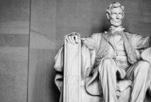 Statue Abraham Lincoln; Foto: iStock.com/LionelHKR