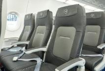 Neue Sitze mit mehr Platz: die neue Economy-Kabine der Lufthansa. Foto: Lufthansa AG