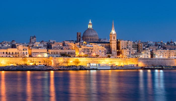 Blaue Stunde über Valletta. Foto: iStock.com/Chris Hepburn