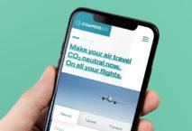 """""""Compensaid"""" auf Smartphone-Bildschirm, Foto: Lufthansa Group"""