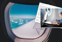 Mädchen schreibt Postkarte aus dem Flugzeug; Foto: Postando