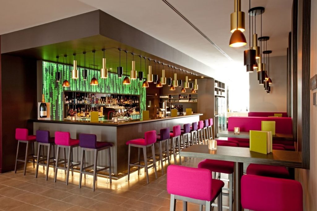 Bar im Vienna House Zur Bleiche Schaffhausen. Foto: ©Vienna House