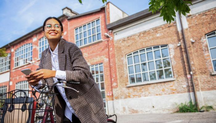 Die packen wir ein: Das sind unsere Lieblings-Reisebegleiter im Februar und März. Foto: iStock.com/DaniloAndjus
