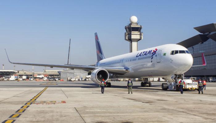 LATAM mit ersten Nonstop-Flügen zwischen Deutschland und Chile auf. Foto: iStock.com/Matheus Obst
