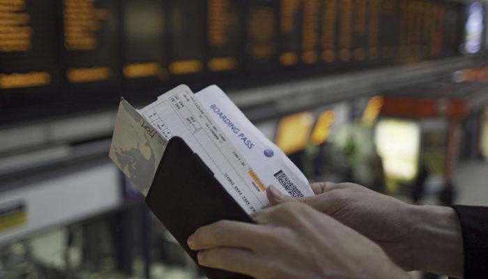 Rückholaktion: Bei der Bahn werden Flugtickets als Zugticket akzeptiert. Foto: iStock.com/Laurence Dutton
