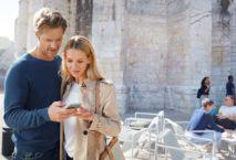 Mit dem neuen Programm-Feature MilesPay können Inhaber:innen der Miles & More Kreditkarten an allen Mastercard-Akzeptanzstellen weltweit Meilen für Einkäufe einlösen. Foto: Miles and More