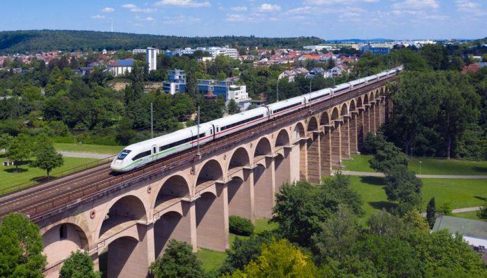 Die Deutsche Bahn setzt Sprinter auf acht innerdeutschen Rennstrecken ein. Foto: DB